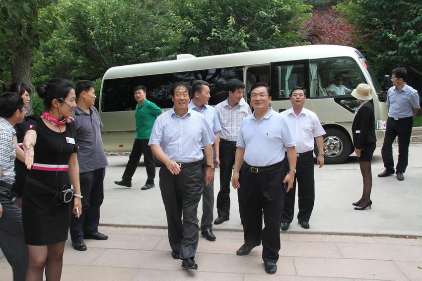 王玉春总裁陪同并介绍了有关情况.